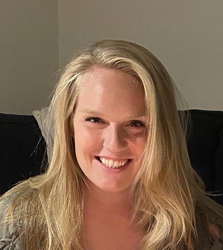 Tess Hupfer- Receptionist